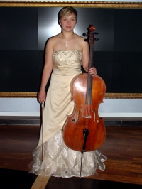 Nadya Cello